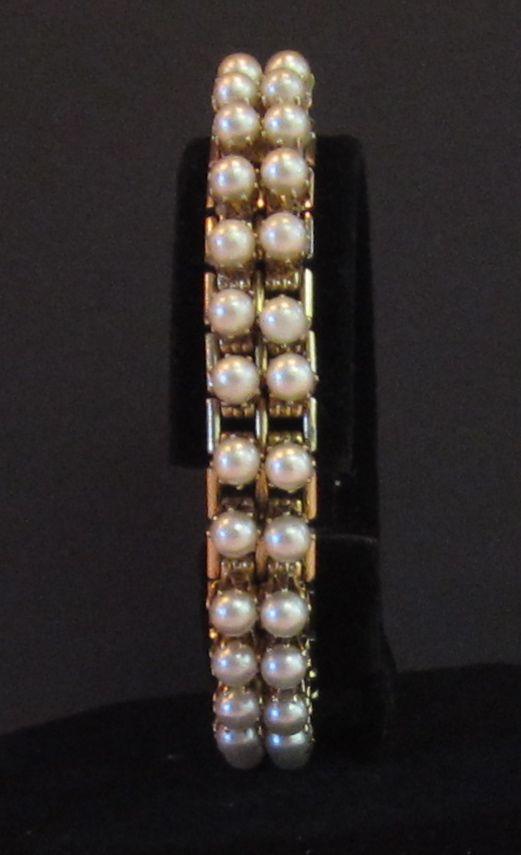 Charming Vintage Faux Pearl Flexible God Tone Bracelet