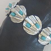 Charming Vintage Silver Tone Shell Bracelet