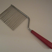Red Bakelite Cake Breaker - Vintage Kitchen Utensil