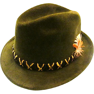 """STETSON FEDORA """"Sovereign"""" Fur Felt Green with Feathered Accent Size 7 - c1960s"""