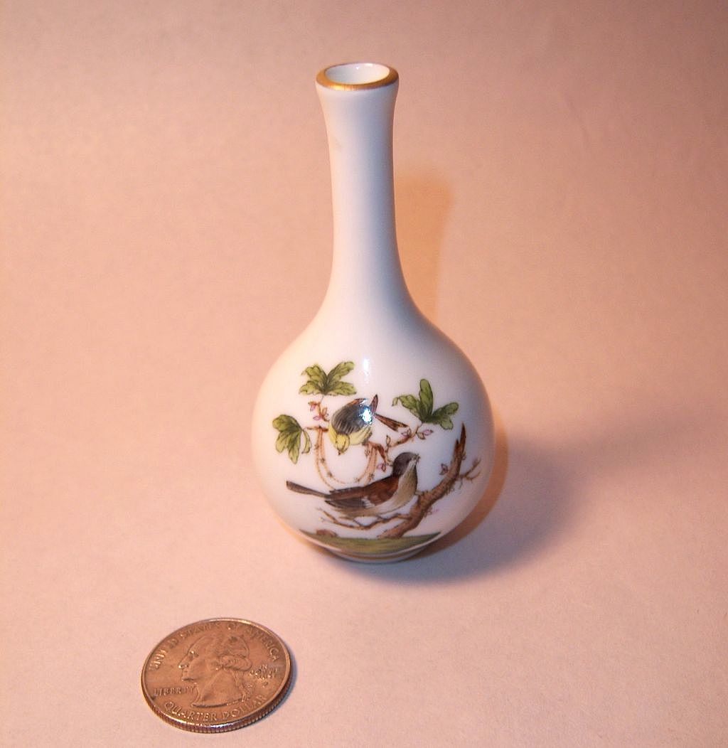 Herend Rothschild Bird (RO) Miniature Bud Vase