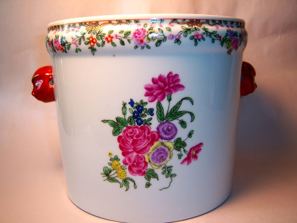 Mottahedeh Winterthur Chinese Cache Pot Reproduction