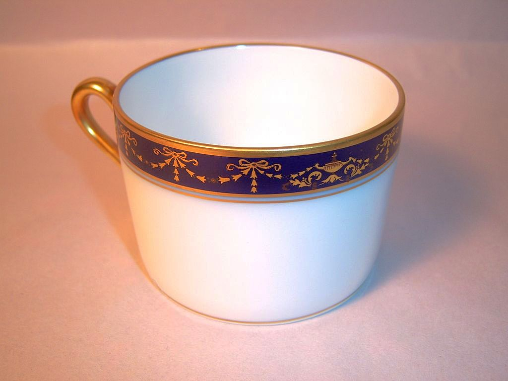 Richard Ginori Castello, Gold and Cobalt Tea Cup