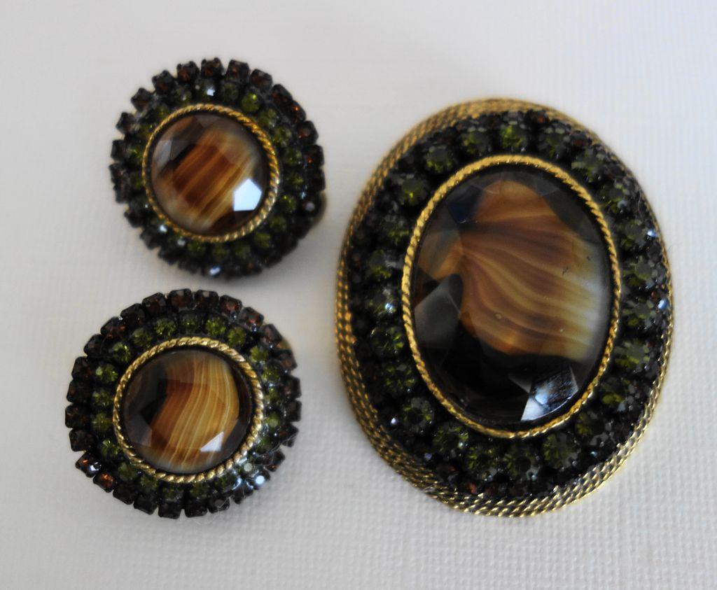 HAR Rootbeer-Colored/Green Rhinestone Brooch and Earrings