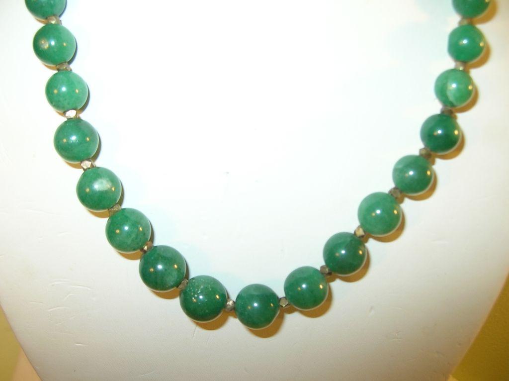 Vintage Necklace Green Bead
