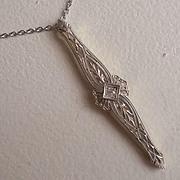 Outstanding Diamond Filigree Pendant Necklace