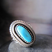 Beautiful Vintage Signed Hallmarked Sterling Silver Navajo Native American Turquoise Ring