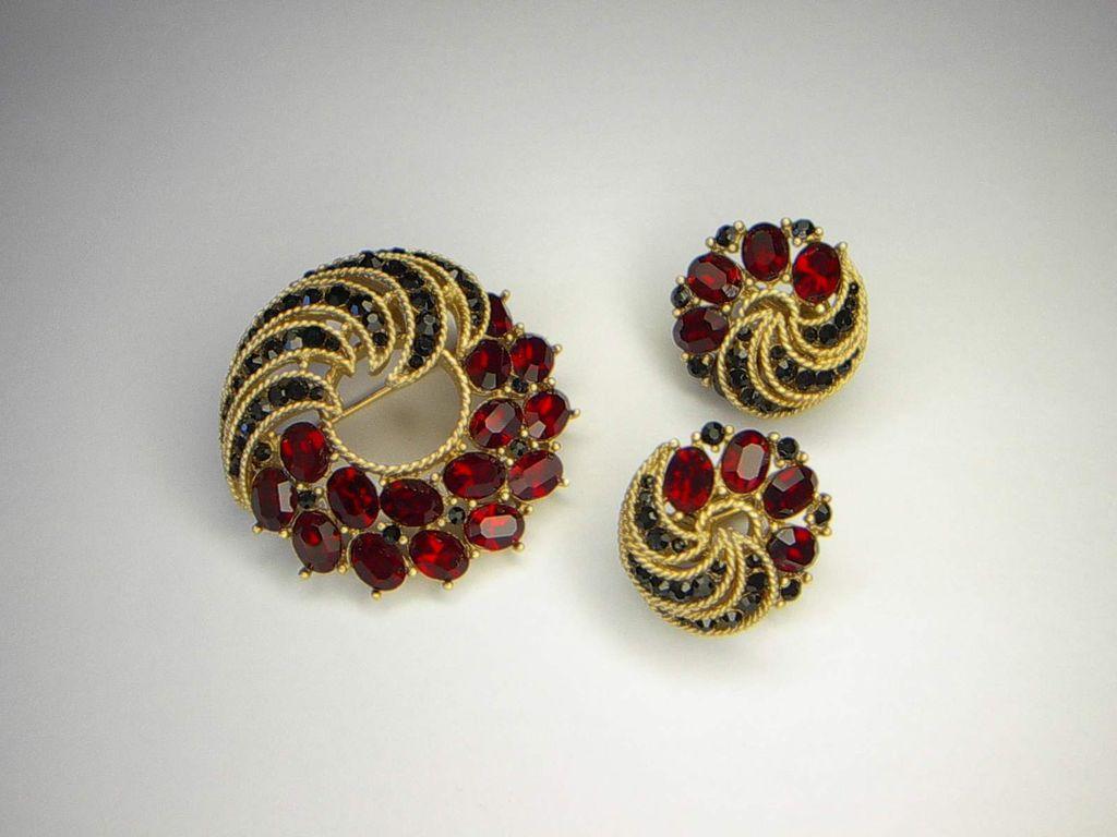 Vintage 1963 Trifari Cavalcade Rhinestone Brooch Pin Earrings Set  Pristine
