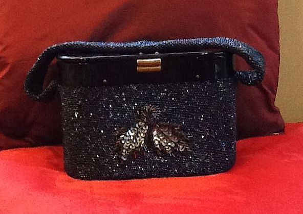 Vintage Oblong Beaded Purse with Lucite Lid and Beaded Decal
