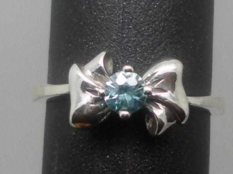 Vintage 14kt Blue Zircon Ring; FREE SIZING.