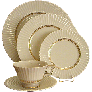 Elegant Lenox Cretan Five-Piece Place Settings
