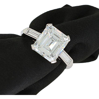 GIA 2.87 Carat Emerald Cut Diamond and Platinum Ring CLASSIC BEAUTY
