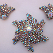 Impressive Pinwheel Iridescent Rhinestone Brooch & Earring Set