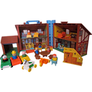 #952 Fisher Price Tudor House with furniture, yellow stairs , cars & Little People