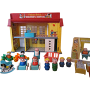 Fisher Price Hospital and Nursery/Daycare  with Little People