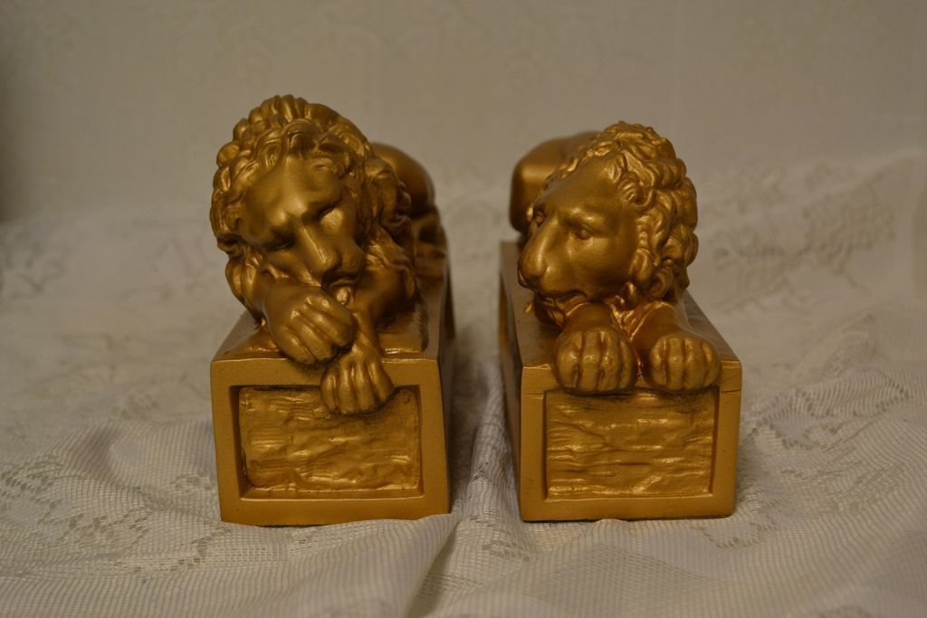 Excellent Vintage Set of Antoino Canova Lions Bookends