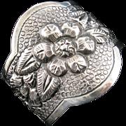Maciel Cuff Bracelet with Flower Motifs