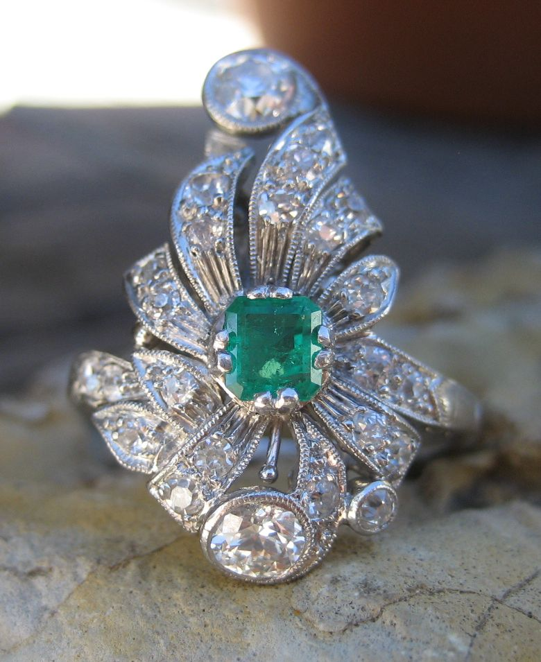 Edwardian Belle Epoque Diamond & Emerald Platinum Ring
