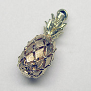 """Wonderful Vintage 3D 14K Yellow and Pink Gold """"Pineapple"""" Charm"""