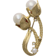 Vintage Estate 14 karat yellow gold baroque pearl brooch/pin