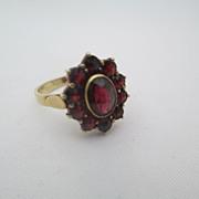 14kt Victorian garnet ring