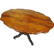 Burl Walnut Veneer English Victorian Breakfast Table on Casters Oval Shape Brass Casters - 19th Century, England