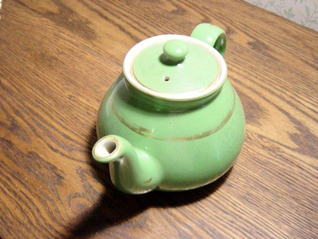 Hall Green And Gold Trim 6 Cup Teapot