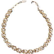 Trifari Faux Pearls Set In Gold Links Choker Necklace