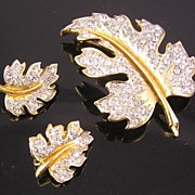 Lovely Lisner Leaf Brooch & Earrings