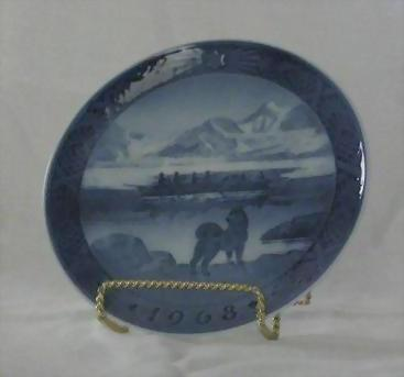 "Royal Copenhagen 1968 Christmas Plate ""The Last Umiak"""