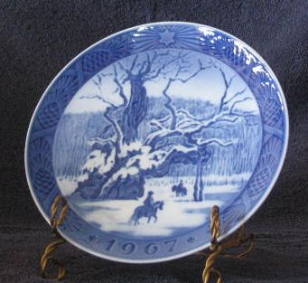 Royal Copenhagen 1967 Annual Christmas Plate