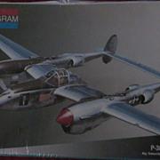 Monogram 1:48, P-38J Lightning Plastic Model, NRFP
