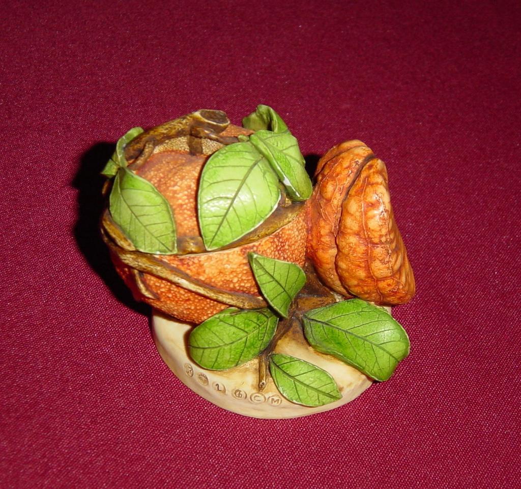 Lord Byron's Harmony Garden Orange Box