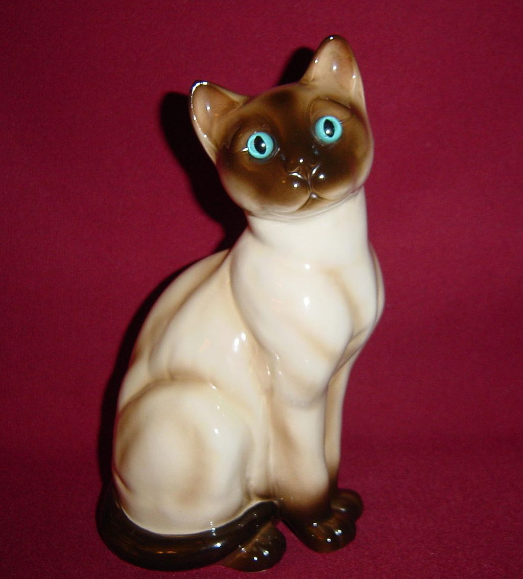Josef Originals Gorgeous Large Siamese Cat