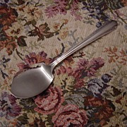 Wm A Rogers Oneida Silverplate Pierced Jelly Server in Croydon or Mary Lee pattern