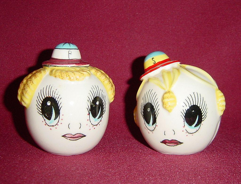 Japan Boy & Girl Big Eyed Heads Sat & Pepper Shakers