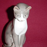 Bing and Grondahl Grey Sitting Cat