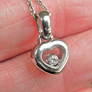 Terrific 18K White Gold CHOPARD Happy Diamonds Heart Pendant