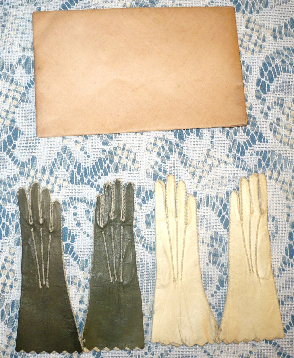 2 Pair Glazed Kid French Fashion Gloves Cream & Olive Original Folder