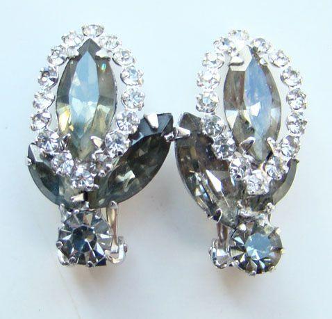 Vintage Weiss Clip Earrings Smoke Rhinestone Rhodium Plated  Signed