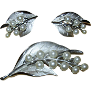 Vintage Signed Trifari Demi Parure Pin & Earring Set Silvertone with Pearls