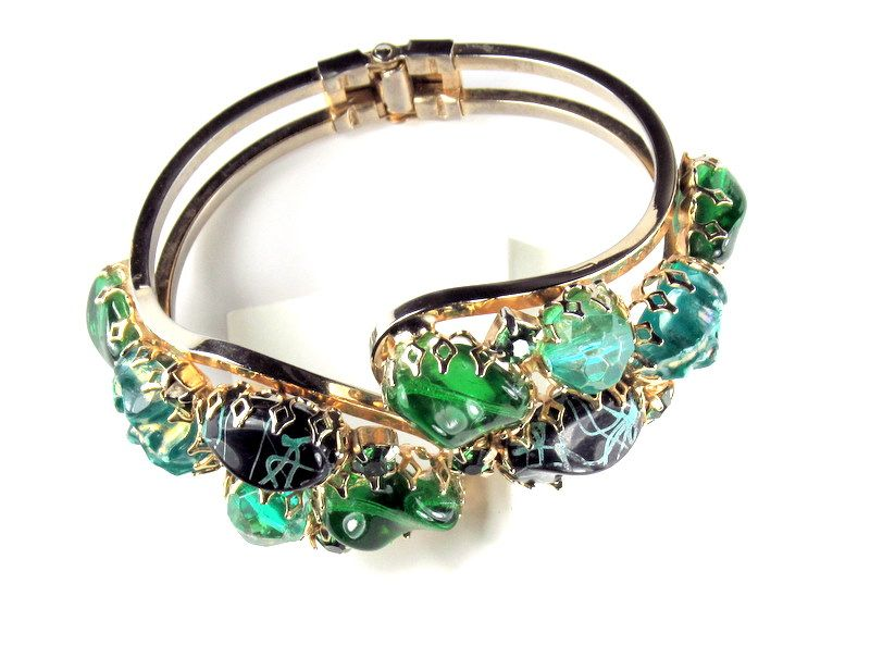 Shades of Green Bead Set Hinged Bracelet