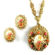 Flower Motif Pendant Necklace and Earrings