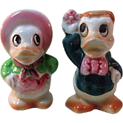 Anthropomorphic Duck Salt and Pepper Shakers / Ceramic Shakers / Colorful Salt Pepper / Japan Salt and Pepper Shakers / Vintage Shakers / Collectible Shakers