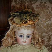 Fantastic tiny bonnet or hat for small doll or fashion