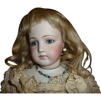 Lovely antique small size blond mohair doll wig with bangs