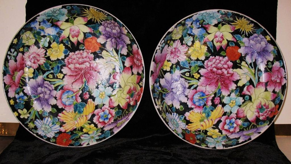 Chinese porcelain  pair of dishes millefleurs design Chien Lung mark