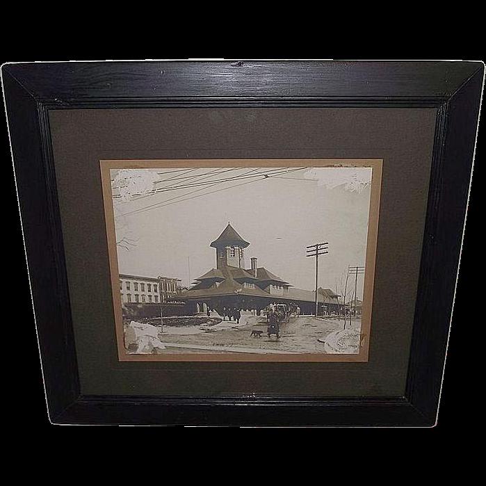 """Framed Lebanon,Pa. Passenger Station """"Philadelphia & Reading Railway"""" Photo By """"Harpel"""" Ca. 1905."""