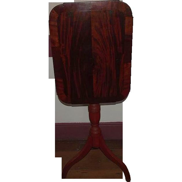Mahogany Veneered Country Hepplewhite Tilt Top Candlestand  !!!   Ca. 1820 to 1840.
