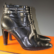 """Barely Worn, HERMES Ankle Boots, 40 or US 9 in Black With 3.5"""" Heel."""